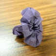 短い割り箸袋で花
