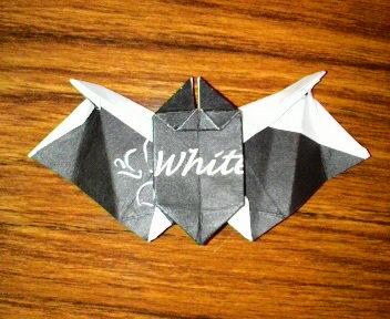 短い割り箸袋で蝙蝠