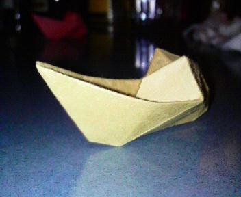 短い割り箸袋でボート