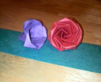 短い割り箸袋で薔薇