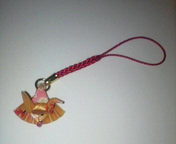 折り紙の扇鶴のストラップ